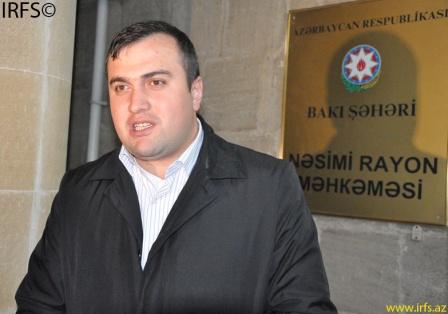 Elçin Sadıqov Kürdəxanı təcridxanasının rəisini məhkəməyə verdi