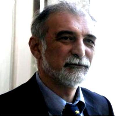 """Hİkmət Hacızadə: """"Artıq Azərbaycanda da Salman Rüşdi var"""""""