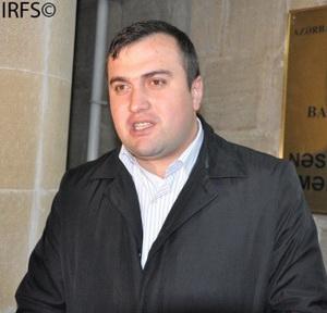 Elçin Sadıqov Adəm Məmmədovu məhkəməyə verdi