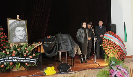 Tanınmış bəstəkar Elza İbrahimova son mənzilə yola salındı
