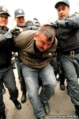 """""""Vicdan məhbusları""""ndan biri vaxtından əvvəl şərti azadlığa buraxılıb"""