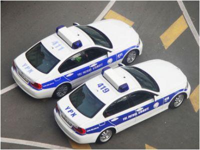 Bundan sonra yol polisi sürücü ilə vidiokameranın nəzarəti altında danışmalıdır
