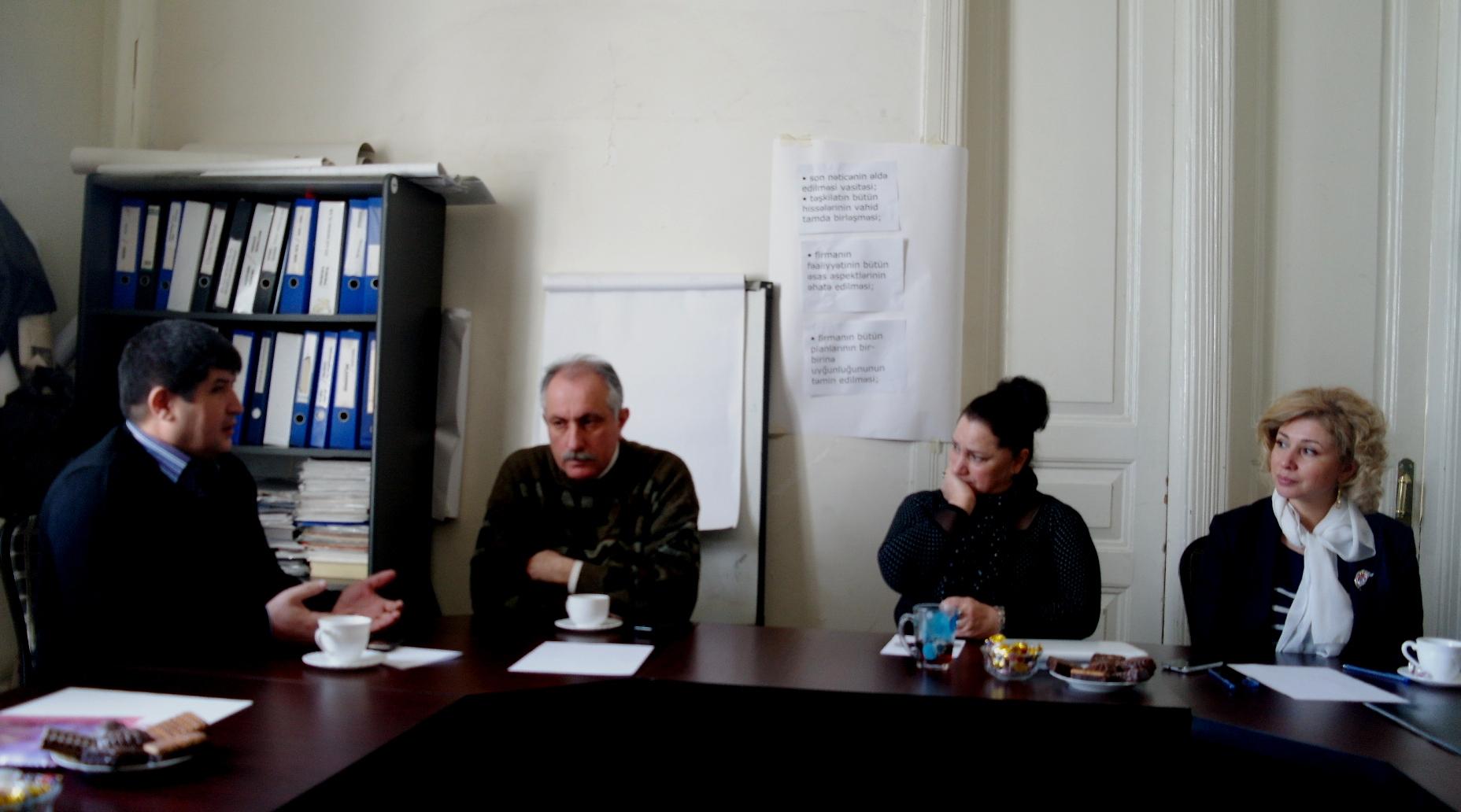 Reper Əli Camala və 17 mart mitinqində saxlanmış digər iştirakçılara qarşı zorakılıq pislənilib