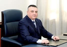 Eldar Mahmudovun ölkədən qaçan adamı kimdir?