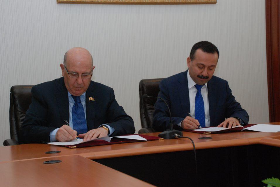 Türkiyə və Azərbaycanın Tibb universitetləri müqavilə imzaladı + FOTOLAR