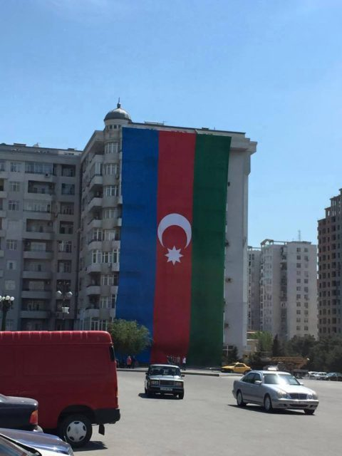 Türkiyə mətbuatı bayrağımıza həqarətdən yazdı - FOTO