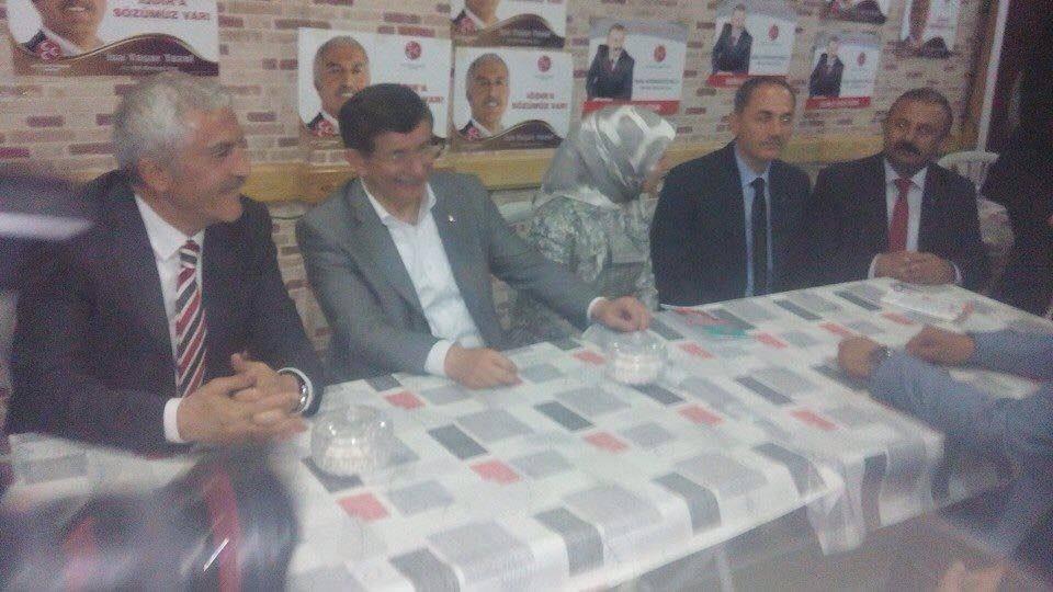 Baş nazir azərbaycanlı namizədin qərargahına gəldi - FOTOLAR