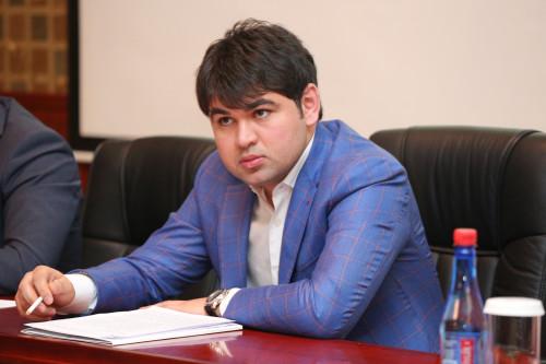 elmir vəliyev