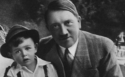 Hitlerin 4 yaşlı uşaqla çəkdirdiyi şəklinin sirri açıldı – FOTO