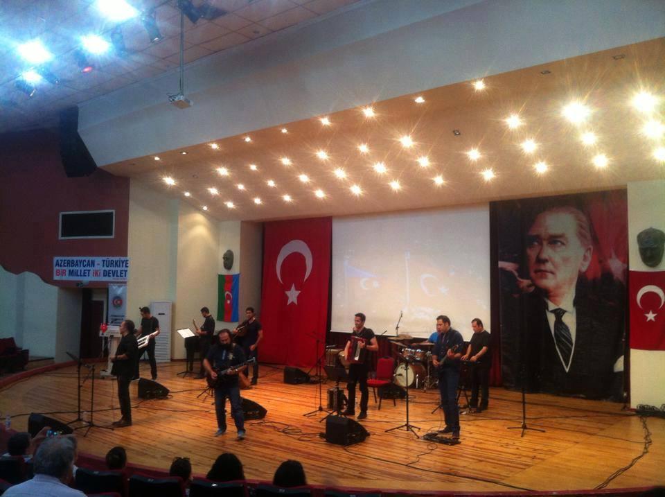 İzmirdə Respublika günü törənləri