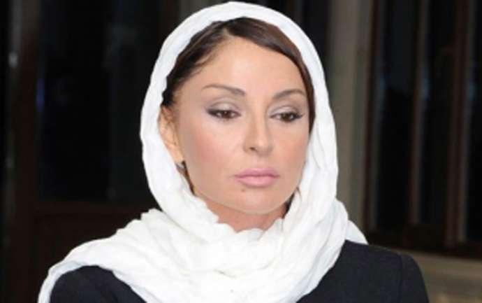 Mehriban Əliyeva yaralılara baş çəkdi
