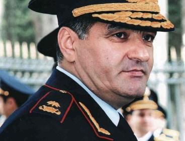 General məmur övladlarına qəzəbləndi - Tapşırıq