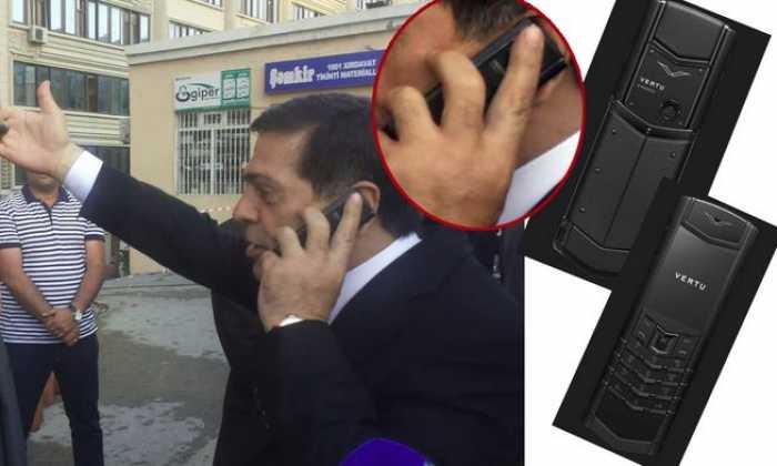 Binəqədinın İcra başçısı Xaləddin İsgəndərovun 15 min avroluq telefonu - FOTO
