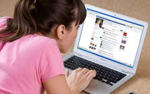 facebookda qız