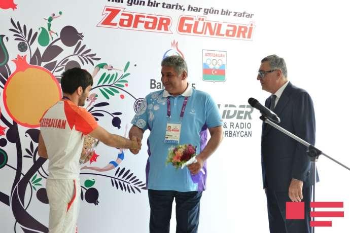 MOK ilk günün medalçılarını mükafatlandırdı - FOTOLAR