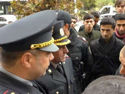 İran səfirliyi qarşısında aksiya keçirilib (VİDEO)