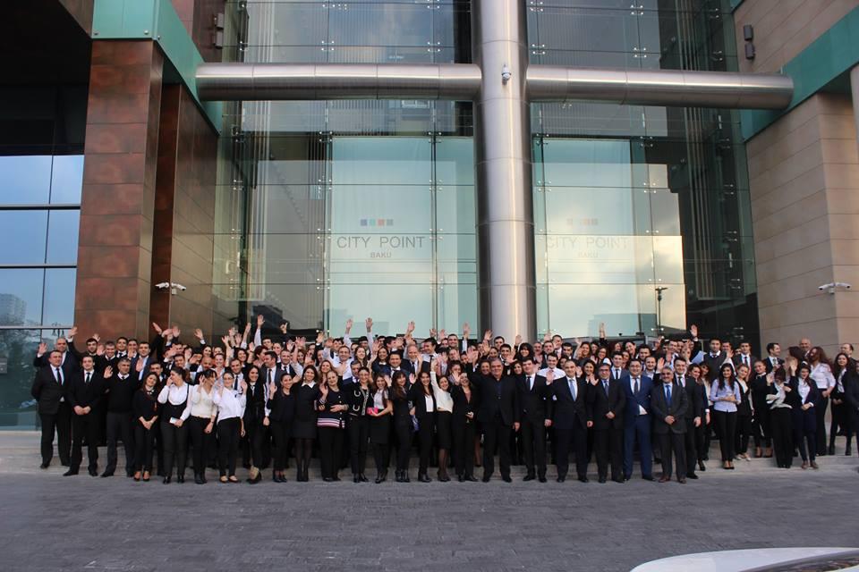AGBank möhtəşəm flash mob keçirib