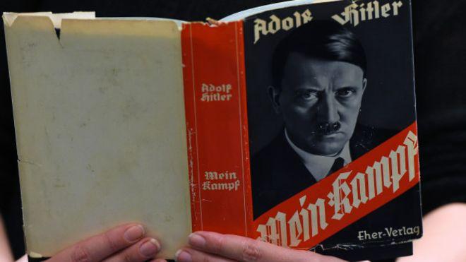 """Almaniyada artıq Hitlerin """"Mənim mübarizəm"""" kitabını almaq olar"""