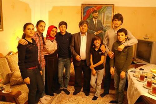 evez nemetin ailesi ile