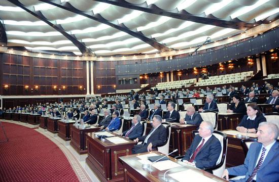 Milli Məclisdən deputatların maaşının 800 manat artacağı xəbərinə AÇIQLAMA