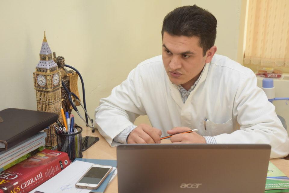 Tədris-Cərrahiyyə Klinikasında daha bir maraqlı əməliyyat icra edildi