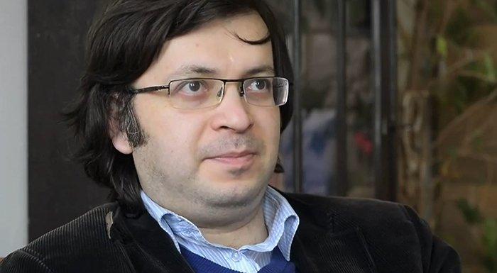 Emin Millinin qaynına ölmüş vəkil təqdim olunubmuş