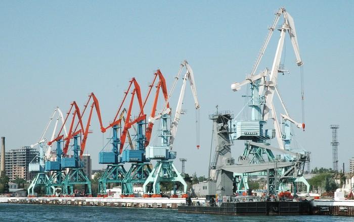 Bakı Limanı dövlət büdcəsinə 4 milyon manatdan çox vergi ödəyib