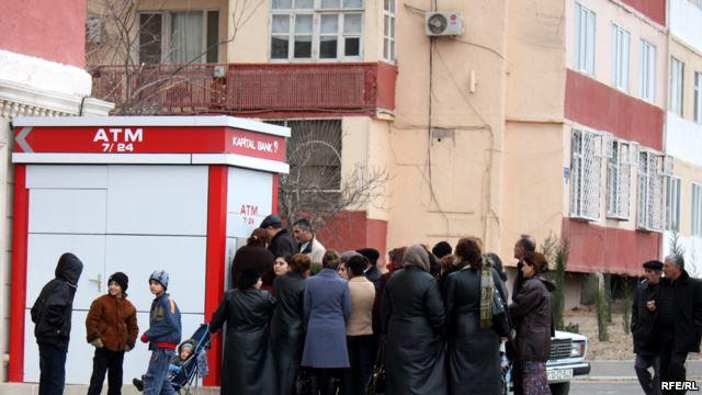 Pensiyaçılar bayramqabağı pullarını alıblar