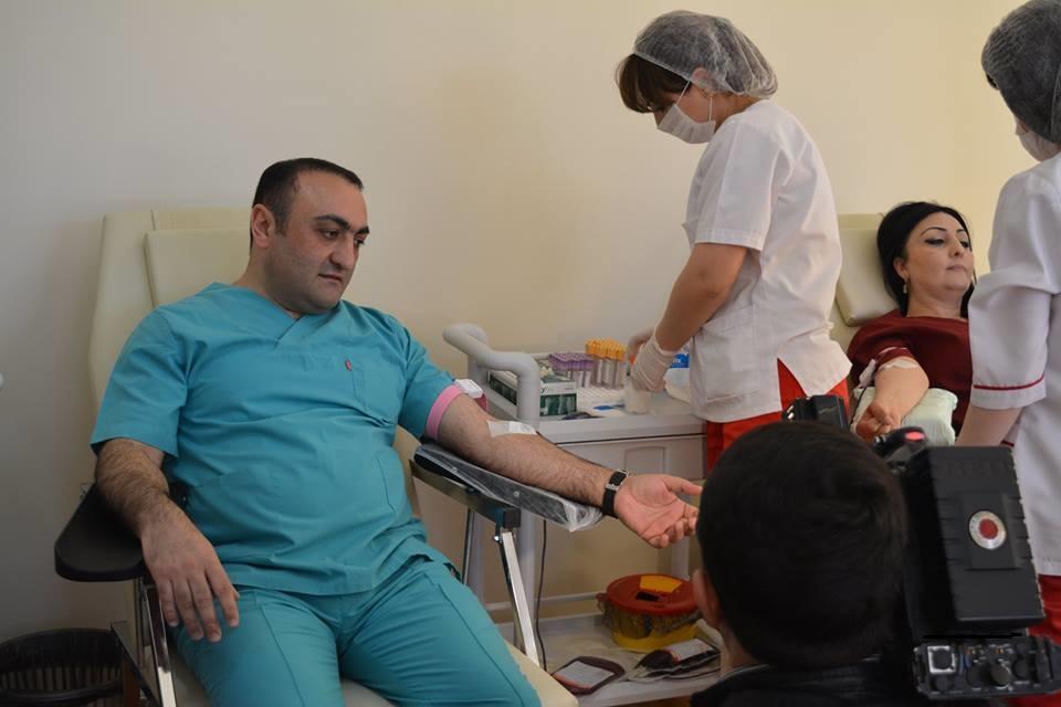 Azərbaycan Tibb Universitetində qanvermə aksiyası keçirildi - FOTO