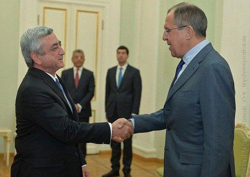 Lavrov artıq Yerevandadır –Sərkisyanla danışacaq