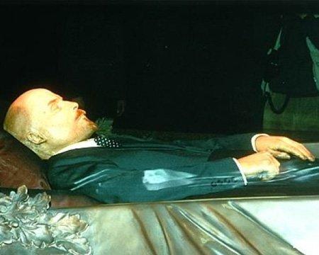 Putin Leninin cəsədinin saxlanması üçün 13 milyon pul ayırıb