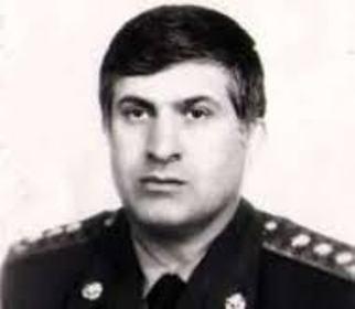 Prokuror sabiq Müdafiə nazirinin müavininə 10 il həbs cəzası istədi
