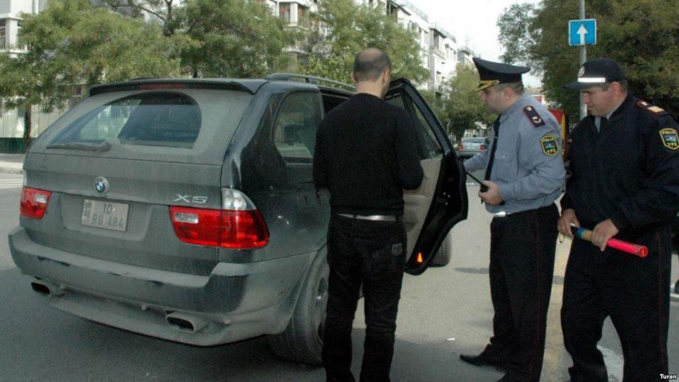 Deputatlar yol polisindən narazılıq etdi