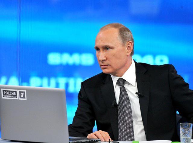 Putinə 3 saat 39 ərzində 2.3 milyon sual verilib