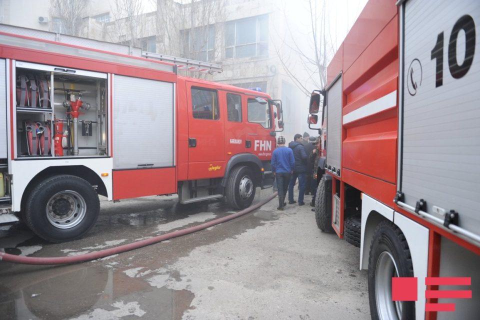 Sumqayıtda binada yanğın:10 nəfər təxliyə edildi