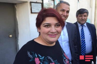 Xədicə İsmayılova həbsxanadan çıxdı – FOTOLAR