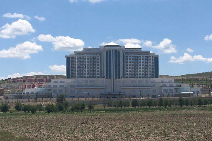 Afyonun məşhur otelində min nəfərlik cami