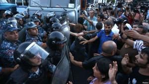 Yerevanda atışma gedir, yaralananlar var Yenilənib Canlı