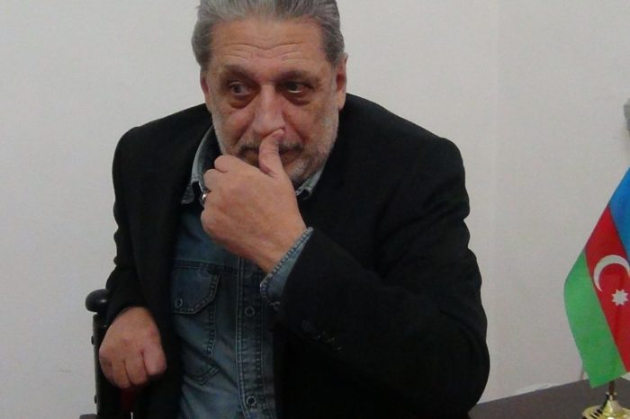 """Eldəniz Quliyev """"Qaynar Qazan""""da (I hissə): """"Aktyoru acından ölən baş direktor itinə ördək paşteti axtarırdı...""""-VİDEO"""