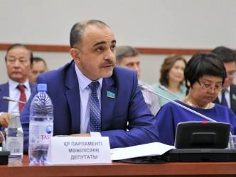 Baş redaktorun Qazaxıstanda deputat olan əmisi oğlu danışdı
