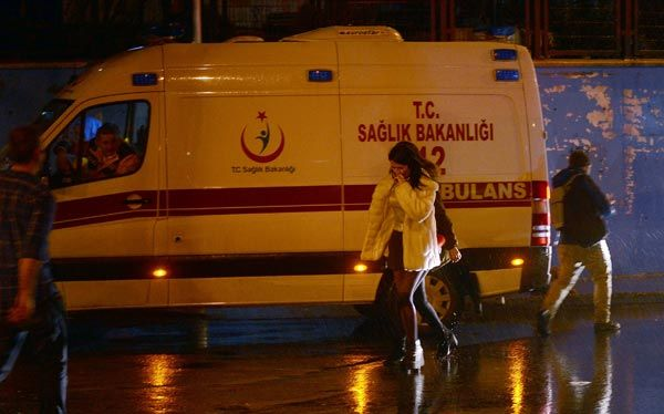İstanbulda terror: 39 ölü, 65 yaralı FOTO VİDEO