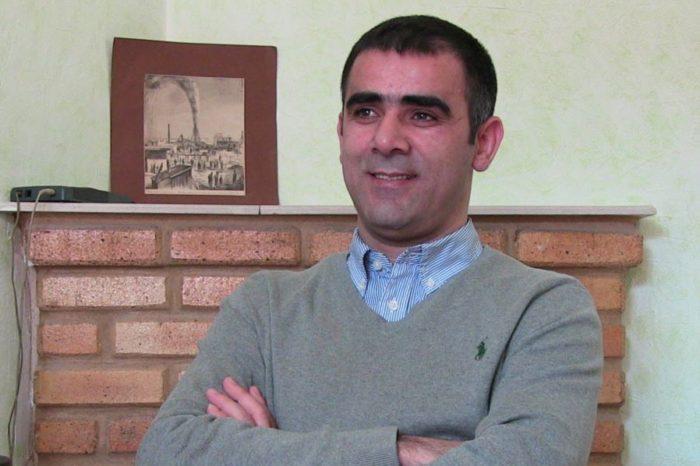 """Media eksperti Xalid Ağalıyev yazır:""""Media uşaqlarla bağlı xəbərlərdə necə davranmalıdır?"""""""