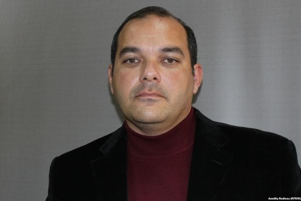Yazıçı Kənan Hacı intihar anonsu verdi, həyat yoldaşı isə xəbərsizdir - FOTO