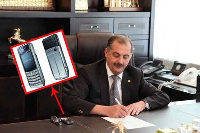 İcra başçısı Vilyam Hacıyev 30 min dollarlıq telefon işlədir?-FOTO