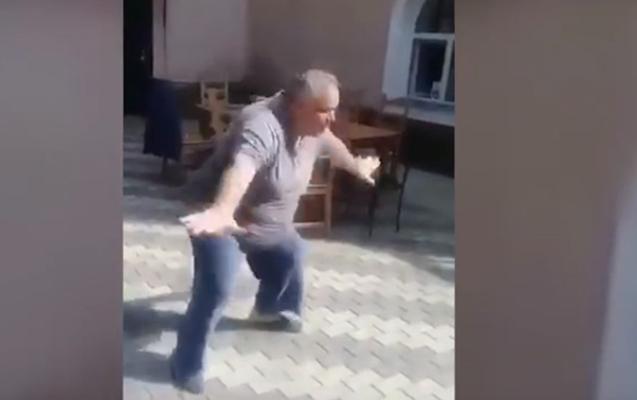 Söyün Sadıqov yenə gülməli durumda-Videosu yayıldı