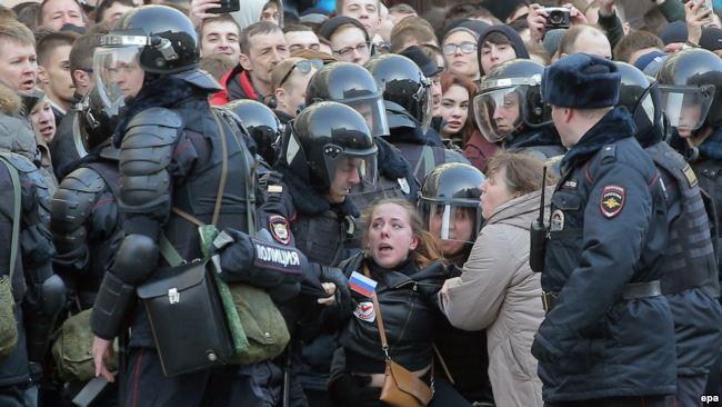 Rusiya boyunca antikorrupsiya mitinqi – Navalnı vә çox sayda fәal saxlanıldı VİDEO Yenilənir