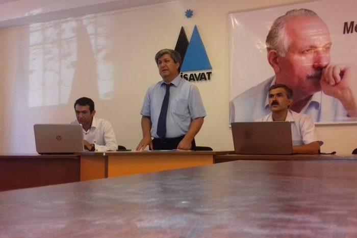 31 avqust toplantısı fotoların yaddaşında