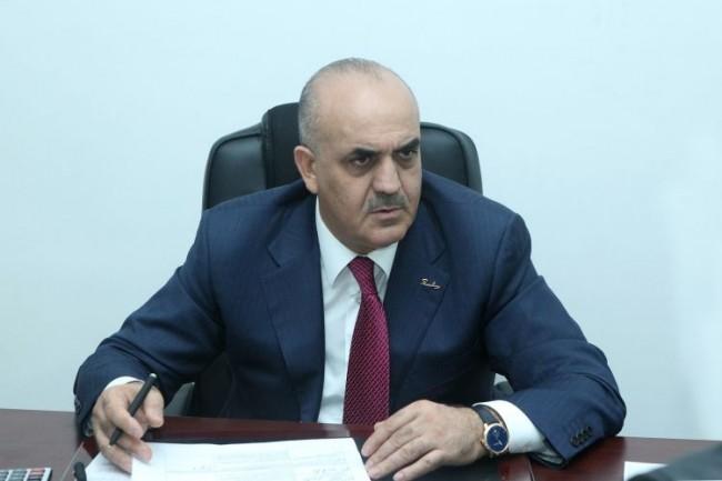 Səlim Müslümov direktoru işdən çıxardı