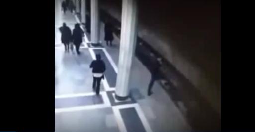 Bakı metrosunda baş verən intihar hadisəsinin VİDEOSU