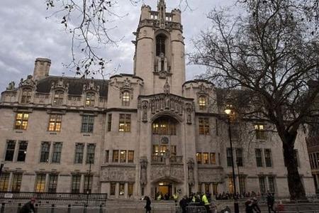 London məhkəməsi azərbaycanlı milyarderdən yarım milyard dollar boşanma pulu tələb edir